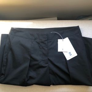 Kit and Ace Loose is More Black Shorts 6 New